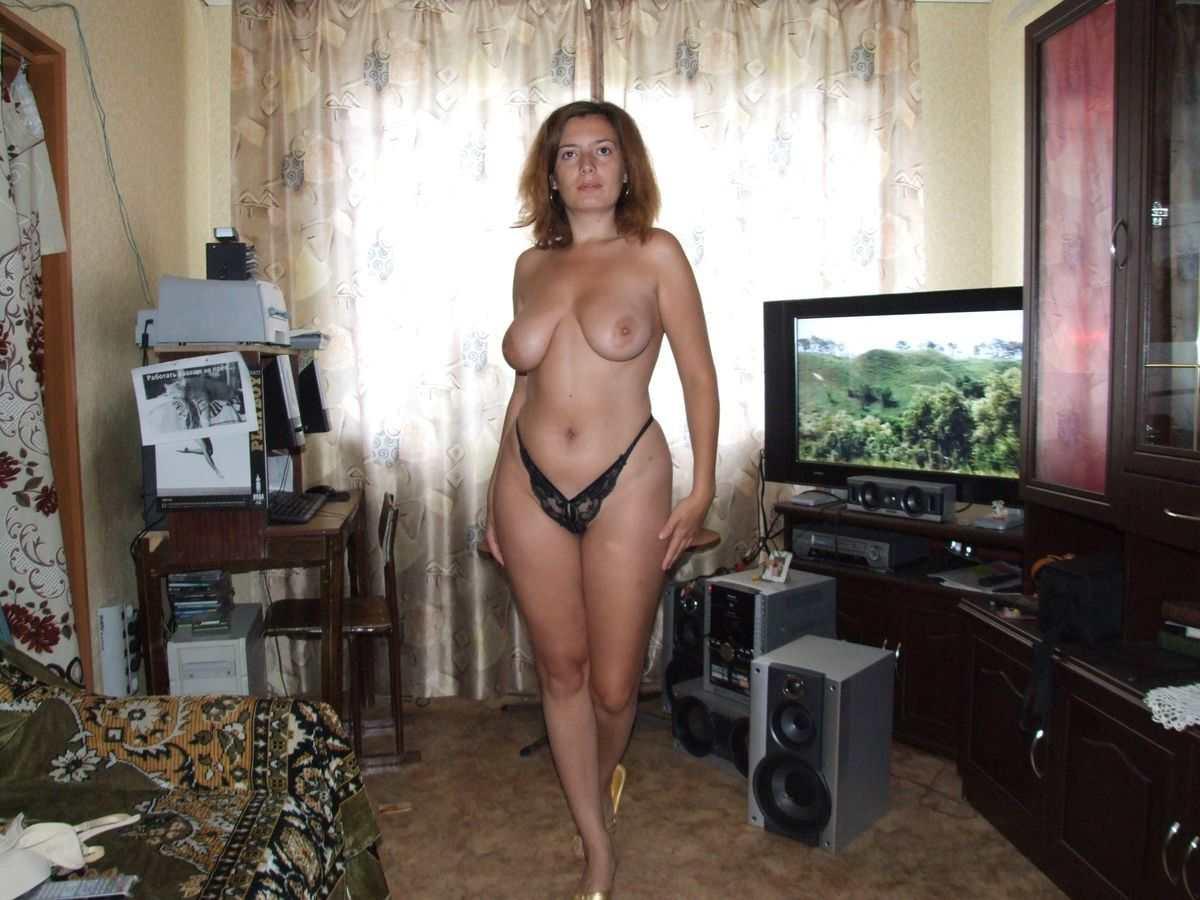Частные фотографии голых одиноких взрослых женщин за 38 в нижнем белье 24 фотография